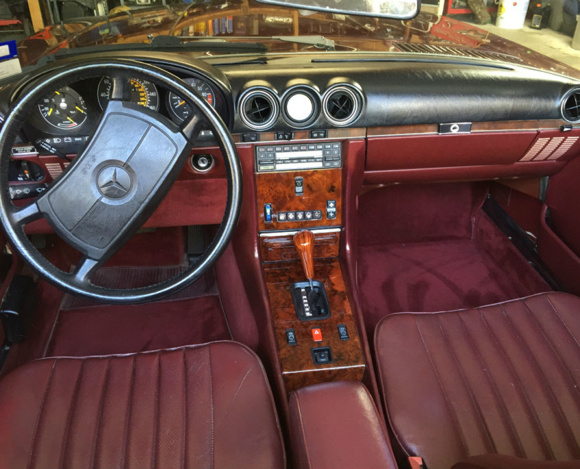 Mercedes W107 560SL wood trim restoration-edite